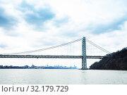 Купить «George Washington Bridge, NY panorama over Hudson», фото № 32179729, снято 17 апреля 2018 г. (c) Сергей Новиков / Фотобанк Лори