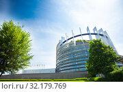 Купить «MAY 05, 2019: European Parliament building», фото № 32179769, снято 5 мая 2019 г. (c) Сергей Новиков / Фотобанк Лори