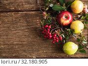 Купить «Autumn apple harvest flat lay», фото № 32180905, снято 13 августа 2019 г. (c) Wavebreak Media / Фотобанк Лори
