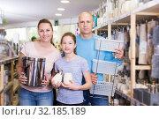 Купить «family choosing bathroom accessories», фото № 32185189, снято 6 апреля 2018 г. (c) Яков Филимонов / Фотобанк Лори