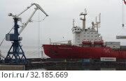 Купить ««Севморпуть» — ледокольно-транспортное судно (лихтеровоз) с атомной силовой установкой», видеоролик № 32185669, снято 26 августа 2019 г. (c) А. А. Пирагис / Фотобанк Лори