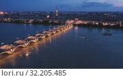 Купить «Night view from the drone on the Bordeaux. France», видеоролик № 32205485, снято 23 октября 2019 г. (c) Яков Филимонов / Фотобанк Лори