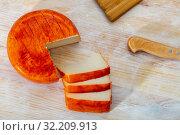 Купить «Round of goat cheese», фото № 32209913, снято 19 октября 2019 г. (c) Яков Филимонов / Фотобанк Лори