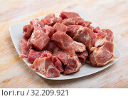 Купить «Raw chopped pork», фото № 32209921, снято 19 октября 2019 г. (c) Яков Филимонов / Фотобанк Лори