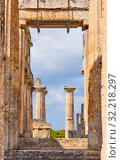 Купить «Ruins of temple of Aphaea in Aegina», фото № 32218297, снято 13 сентября 2019 г. (c) Роман Сигаев / Фотобанк Лори