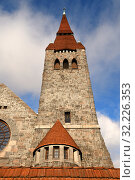 Tampere Cathedral Tower, Lutheran church in Tampere, Finland, and seat of Diocese of Tampere. 1902 - 1907 (2019 год). Стоковое фото, фотограф Валерия Попова / Фотобанк Лори