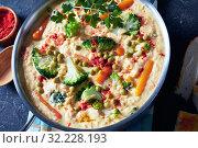 Купить «broccoli cheddar cheese soup in a pot», фото № 32228193, снято 19 апреля 2019 г. (c) Oksana Zh / Фотобанк Лори