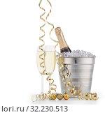 Купить «Bottle with champagne and two full wineglasses», фото № 32230513, снято 27 ноября 2018 г. (c) Мельников Дмитрий / Фотобанк Лори