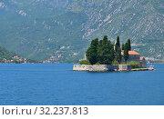 Купить «Natural islet with Saint George Benedictine monastery. Kotor Bay. Montenegro», фото № 32237813, снято 10 июня 2019 г. (c) Володина Ольга / Фотобанк Лори