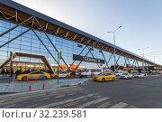Купить «Аэропорт Шереметьево, терминал B. Москва», фото № 32239581, снято 19 февраля 2019 г. (c) Ольга Сейфутдинова / Фотобанк Лори