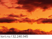 Красивые облака на закате солнца плывут по красочному небу. Стоковое фото, фотограф А. А. Пирагис / Фотобанк Лори