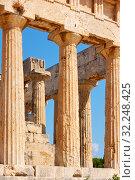 Купить «Columns of temple of Aphaea in Aegina», фото № 32248425, снято 13 сентября 2019 г. (c) Роман Сигаев / Фотобанк Лори