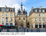 Купить «Porte Cailhau, Bordeaux», фото № 32271121, снято 18 июля 2019 г. (c) Яков Филимонов / Фотобанк Лори