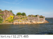 Coastal fortifications of the island of Iso Mustasaari, Suomenlinna (or Sveaborg) fortress, Helsinki, Finland (2019 год). Стоковое фото, фотограф Юлия Бабкина / Фотобанк Лори