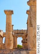 Купить «Columns of Temple of Aphaea in Aegina Island», фото № 32275401, снято 13 сентября 2019 г. (c) Роман Сигаев / Фотобанк Лори