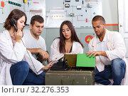 Купить «Friends in quest room in view as bunker», фото № 32276353, снято 8 октября 2018 г. (c) Яков Филимонов / Фотобанк Лори
