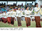 Traditional thai Dance at the traditional Elephant Round Up Festival in the city of Surin in Isan in Thailand. Thailand, Isan, Surin, November, 2017. Стоковое фото, фотограф Zoonar.com/URS FLUEELER / age Fotostock / Фотобанк Лори