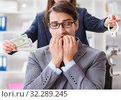 Купить «Businessmanbeing offered bribe for breaking law», фото № 32289245, снято 11 декабря 2017 г. (c) Elnur / Фотобанк Лори
