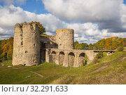 Купить «Koporye fortress», фото № 32291633, снято 23 сентября 2019 г. (c) Юлия Бабкина / Фотобанк Лори