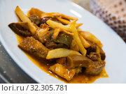 Купить «Veal stew with mushrooms», фото № 32305781, снято 26 января 2020 г. (c) Яков Филимонов / Фотобанк Лори