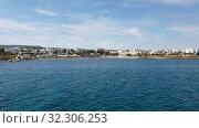 Купить «Mediterranean traffic along Pernera, Cyprus», видеоролик № 32306253, снято 20 октября 2019 г. (c) Володина Ольга / Фотобанк Лори
