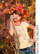 Купить «Девочка - осень», фото № 32342297, снято 26 октября 2019 г. (c) WalDeMarus / Фотобанк Лори