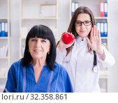 Купить «Senior patient visiting doctor for regular check-up», фото № 32358861, снято 12 июня 2017 г. (c) Elnur / Фотобанк Лори