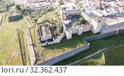 Купить «Panoramic view from drone of the castle in Elvas. Portugal», видеоролик № 32362437, снято 22 апреля 2019 г. (c) Яков Филимонов / Фотобанк Лори