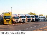 Купить «Semi-trailer trucks», фото № 32368357, снято 12 сентября 2019 г. (c) Art Konovalov / Фотобанк Лори