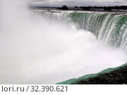 Купить «The majestic Niagara Falls from the Canadian side in Ontario», фото № 32390621, снято 12 ноября 2019 г. (c) easy Fotostock / Фотобанк Лори
