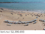 Песчаный пляж на морском берегу. Неттуно, Лацио, Италия (2019 год). Стоковое фото, фотограф Вадим Хомяков / Фотобанк Лори