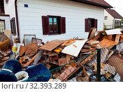 Ein Wohnhaus wird bei einem Umzug geräumt. Стоковое фото, фотограф Zoonar.com/Erwin Wodicka / age Fotostock / Фотобанк Лори
