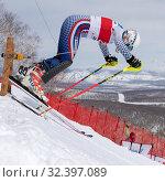 Mountain skier at start skiing down. Russian Alpine Skiing Championship, slalom (2019 год). Редакционное фото, фотограф А. А. Пирагис / Фотобанк Лори