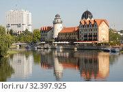 Купить «Красивый городской пейзаж. Калининград», эксклюзивное фото № 32397925, снято 25 августа 2019 г. (c) Svet / Фотобанк Лори