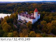 Купить «Konopiste castle, Benesov, Czech Republic», фото № 32410249, снято 12 октября 2019 г. (c) Яков Филимонов / Фотобанк Лори