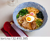 Traditional japanese thick ramen with veal. Japanese cuisine. Стоковое фото, фотограф Яков Филимонов / Фотобанк Лори