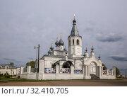 Купить «Церковь Иоанна Златоуста в Годенове, в которой находится Животворящий Годеновский крест», фото № 32410705, снято 12 мая 2019 г. (c) Юлия Бабкина / Фотобанк Лори