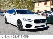 Купить «Volvo V90», фото № 32411089, снято 13 сентября 2019 г. (c) Art Konovalov / Фотобанк Лори