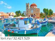 Купить «Waterfront in Aegina town», фото № 32421529, снято 12 сентября 2019 г. (c) Роман Сигаев / Фотобанк Лори