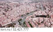 Купить «Aerial panoramic view of Murcia cityscape with bell tower of Cathedral Church of Saint Mary, Spain», видеоролик № 32421777, снято 17 апреля 2019 г. (c) Яков Филимонов / Фотобанк Лори