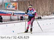 Sportswoman biathlete Yu Seolhee (South Korea) skiing on distance biathlon complex (2019 год). Редакционное фото, фотограф А. А. Пирагис / Фотобанк Лори