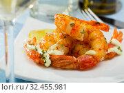 Купить «Fried shrimps with lemon closeup», фото № 32455981, снято 9 декабря 2019 г. (c) Яков Филимонов / Фотобанк Лори