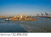 Купить «Портовые сооружения. Халл. Великобритания», фото № 32456033, снято 26 августа 2019 г. (c) Сергей Афанасьев / Фотобанк Лори