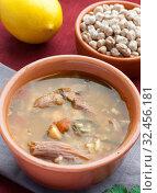 Купить «Суп с бараниной, помидорами, нутом, рисом и красной чечевицей. Суп харира», фото № 32456181, снято 11 ноября 2019 г. (c) Румянцева Наталия / Фотобанк Лори