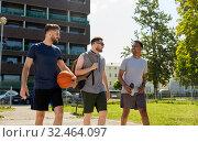 Купить «group of male friends going to play basketball», фото № 32464097, снято 21 июля 2019 г. (c) Syda Productions / Фотобанк Лори