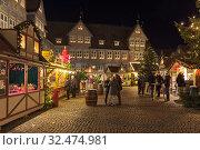 Купить «Рождественский базар в Вольфенбюттеле, Германия», фото № 32474981, снято 9 декабря 2018 г. (c) Михаил Марковский / Фотобанк Лори