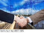 Купить «Businesspeople shaking hands», фото № 32497185, снято 19 июля 2012 г. (c) Яков Филимонов / Фотобанк Лори
