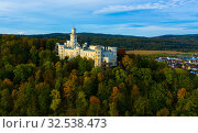 Купить «Hluboka Castle in Hluboka nad Vltavou, Bohemia», фото № 32538473, снято 11 октября 2019 г. (c) Яков Филимонов / Фотобанк Лори