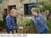 Купить «Spouses quarreling in backyard», фото № 32555301, снято 15 декабря 2018 г. (c) Яков Филимонов / Фотобанк Лори