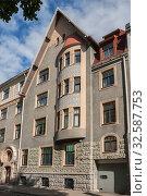 Купить «Riga Art Nouveau, house on Vilandes Street», фото № 32587753, снято 1 сентября 2014 г. (c) Юлия Бабкина / Фотобанк Лори